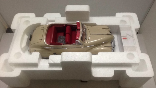 1941 Chevrolet Special DeLuxe Die-Cast Replica.