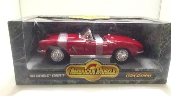 1962 Chevrolet Corvette Die-Cast Replica.