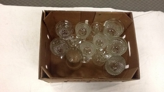 BOX OF CLEAR GLASS STEMWARE & CUPS