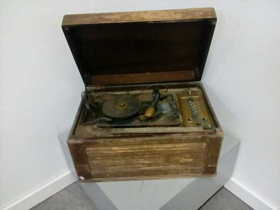 Silvertone Antique Record Player Radio
