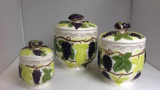 Arnels 3 piece Grape Design Canister Set