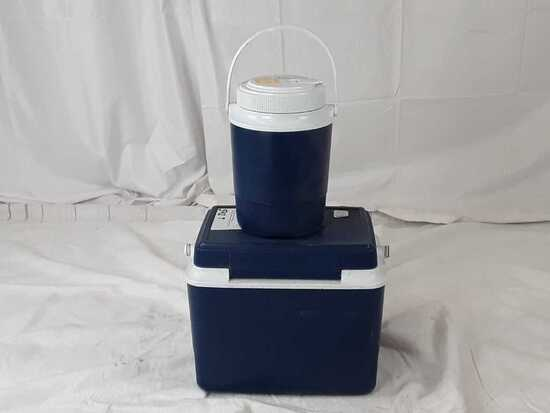 NAPA lunchbox cooler and drink jug.