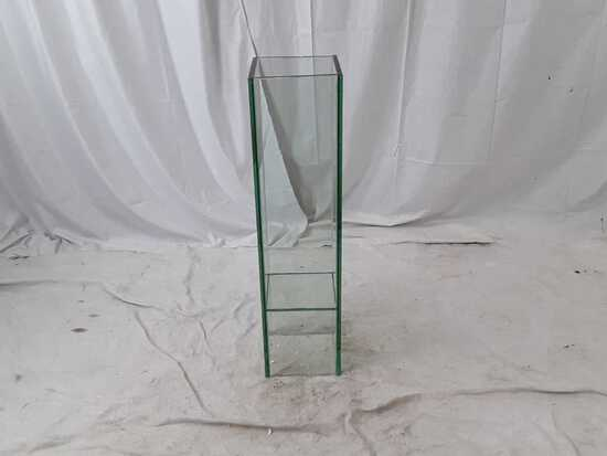STANDING GLASS VASE FROM ACCENT DECOR