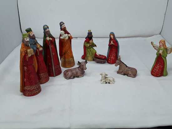Nativity Set of 11 Pieces