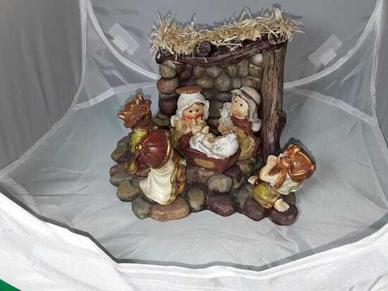 CERAMIC NATIVITY SET