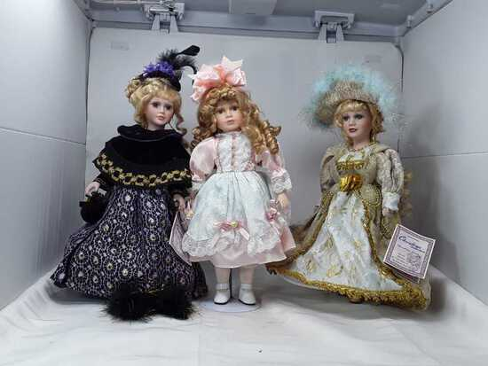 3 CHRISTINA COLLECTION DOLLS & STANDS