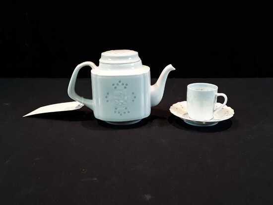 ASIAN WHITE TEA POT W/1 MATCHING CUP & SAUCER