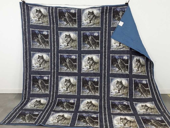 "108"" X 106"" WOLF PATTERN QUILTED BLANKET"