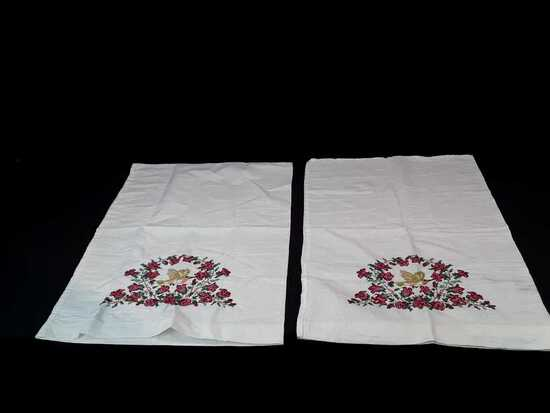 PAIR OF HAND EMBROIDERED PILLOWCASES W/HUMMINGBIRD
