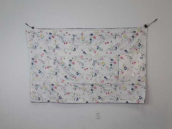 "44"" X 74"" FLOWERS ON WHITE PILLOW QUILT"