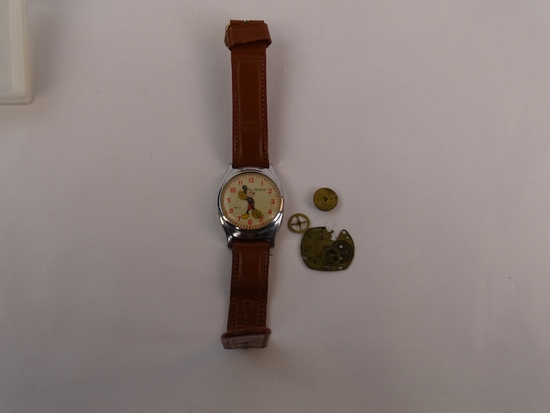 VINTAGE MICKEY MOUSE WRIST WATCH