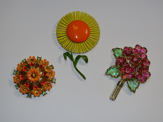 Vintage Pins:Bright Floral & Glass