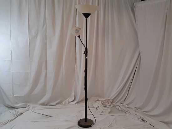 FLOOR LAMP W/TWO LIGHTS
