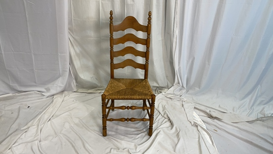 SINGLE DINING ROOM CHAIR