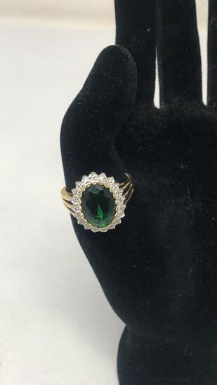 GOLD TONE OVAL CUT GREEN STONE RING