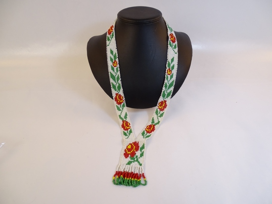 Native American Beaded Roses Necklace