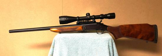 New England Firearms Handi Rifle .204 Ruger SN: NU347585 w/ TASCO 4-16X40 Scope