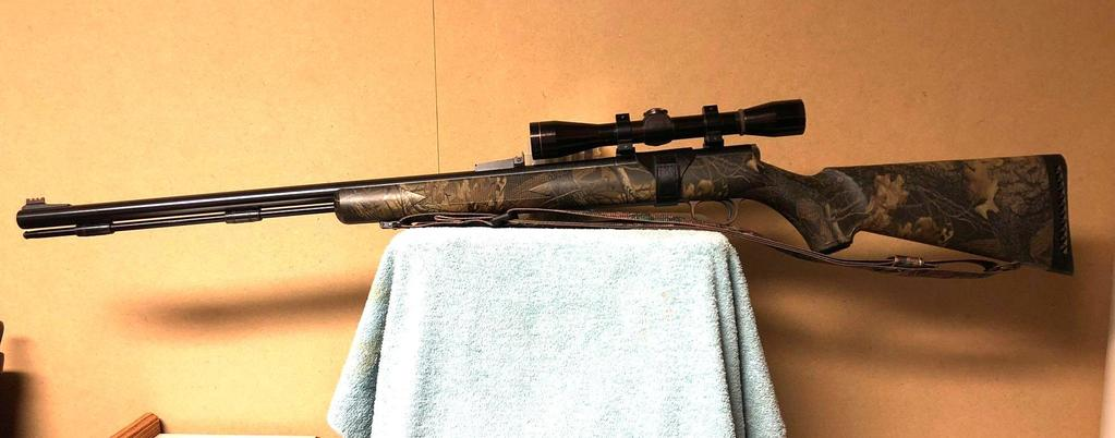 Thompson Black Diamond XR .50 cal.SN: R1562w/ Leupold M86X Scope, Black Powder Rifle