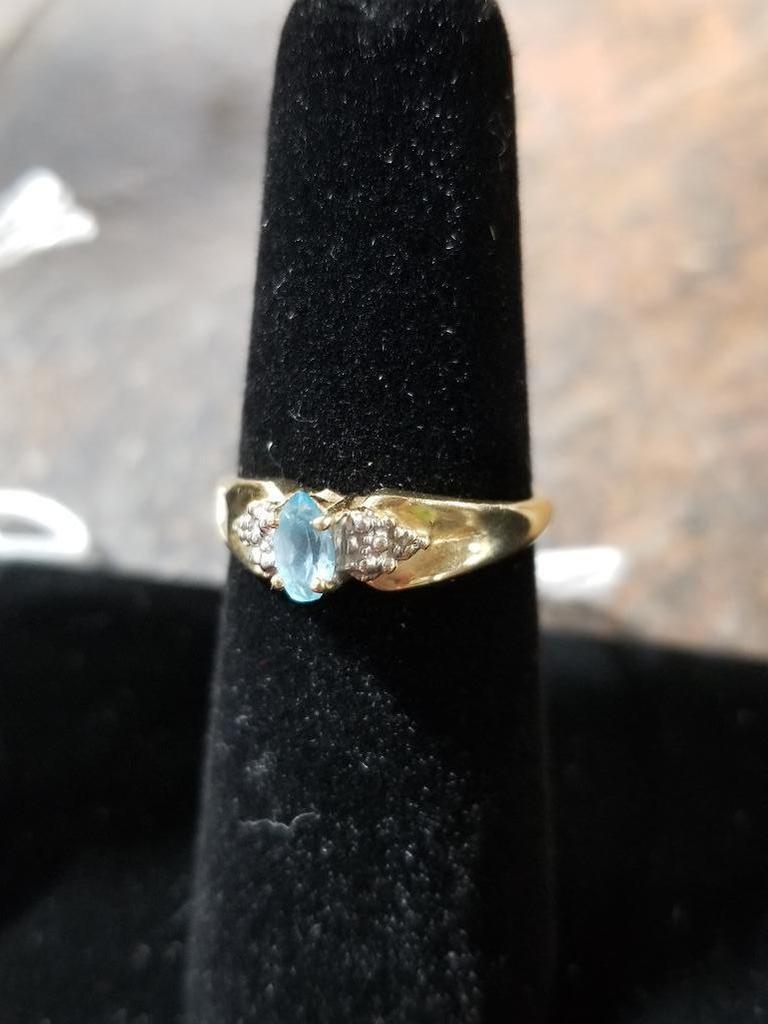 10k Gold Ring w/ Gemstone - 1.6 Grams