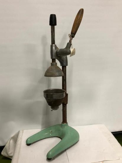 Early Cast Iron and Enamel Juicer Model 302