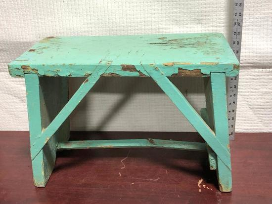 Primitive Bench, 20in x 13in