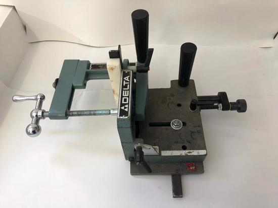 DELTA, Universal Tenon cutting Jig. Fits all table saws with a standard miter gauge slot.