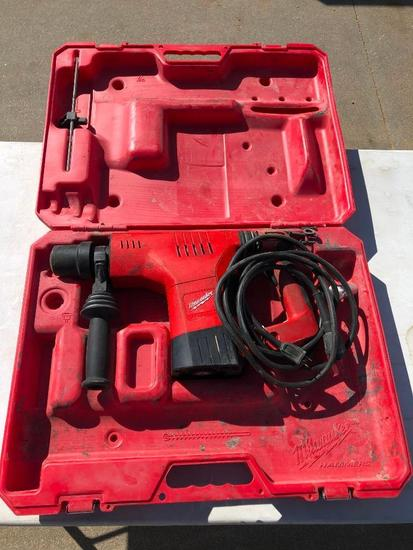 Milwaukee HD 1-1/2in Rotary Hammer Cat. No. 5321-21, May Need Repair, Missing Pin for Handle