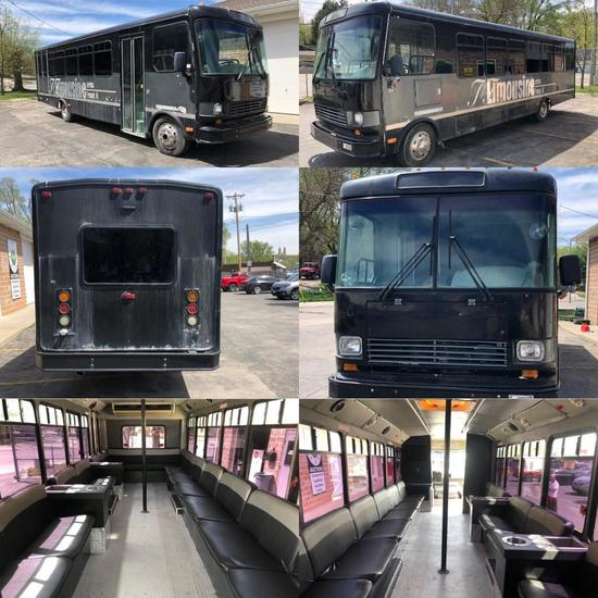 1999 Freightliner Diesel 26 Passenger Bus MB Chassis, 158,318 Miles, Automatic, Rides/Drives Great