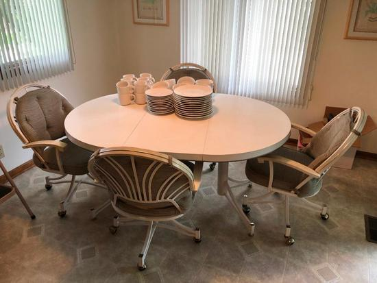 Kitchen Table and 4 Matching Rolling Chairs, 1 Leaf
