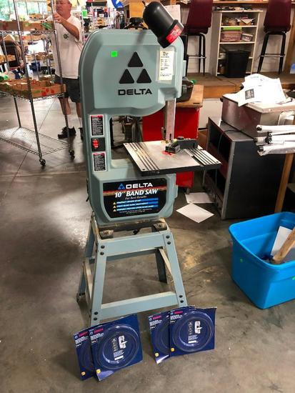 Delta 10in Bandsaw, Model: 28-195 w/ Manual & 4 Extra Blades & Light