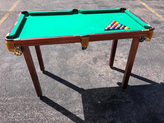 Minnesota Fats Miniature Pool Table w/ Balls, VG Condition