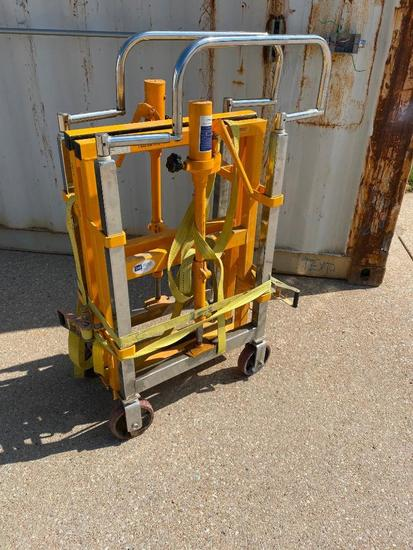 Global Manual Furniture Mover, Capacity 1800 kg, Lifting Height 250mm, 1 Ton Hyd. Jack, Pair