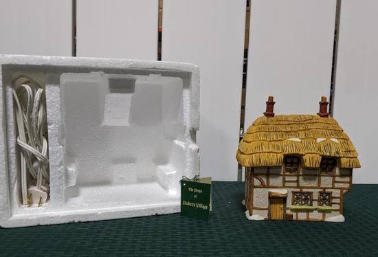 Dickens Village Series-Department 56 -Dicken's Village Cottage (The Heritage Village Collection