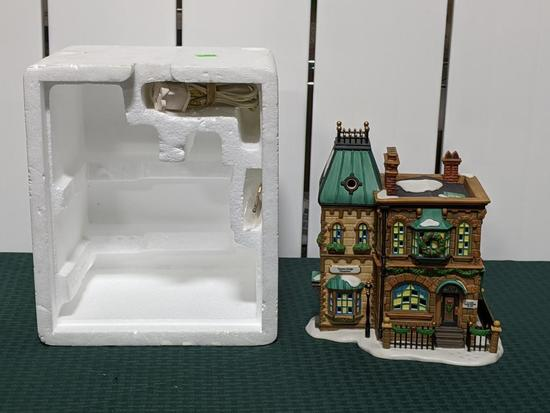 Dickens Village Series-Department 56 -Thomas Mudge Timepieces (The Heritage Village Collection