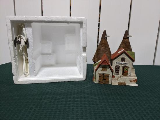 Dickens Village Series-Department 56 -Bishops Oast House (The Heritage Village Collection
