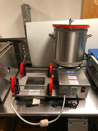 PRO-CUT Model: KMV25 Vacuum Tumbler (Marinate Up to 55lbs in 15min)