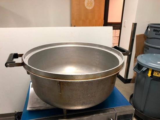 HD 55 Cup Pot/Bowl, w/ Legs, Handles