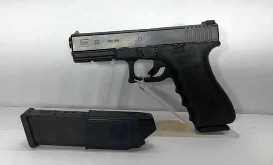 """Glock G22 Gen 3 40 S&W 4 1/2"""" Barrel 15 Round Mag w/ Factory Case & 2 Magazines SN: FYK144"""