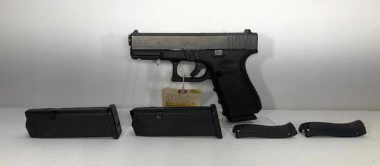 Glock 23 Gen 4 .40 S&W 13 Round Mag w/ Factory Case & 3 Magazines SN: UKT209