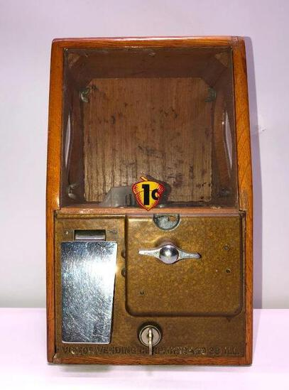 Penny Victor Peanut Vending Machine with Key