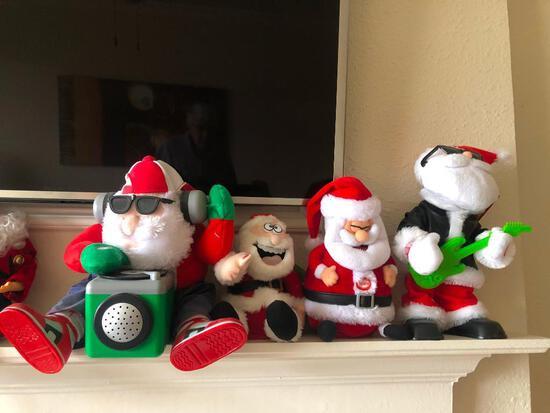 4 Santas