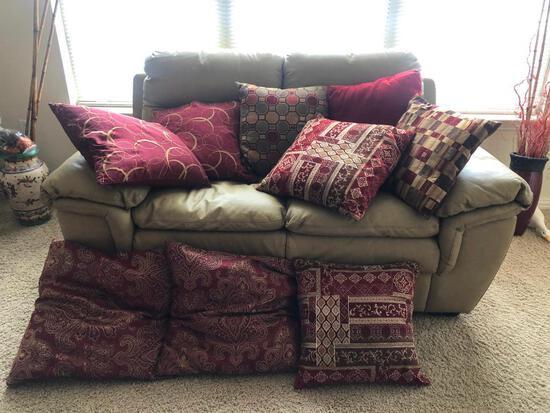 Nine Decorator Sofa Pillows