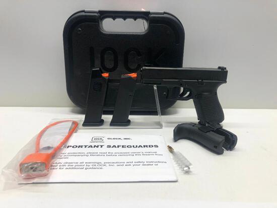 Glock G19 Gen 5 9mm w/ Factory Case & 3 Magazines SN: ADAR195