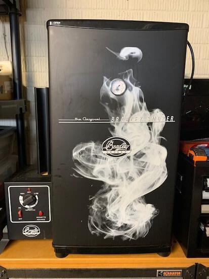 Bradley Smoker - Original 4-Rack Electric Smoker - Like New, MSRP: $269.99