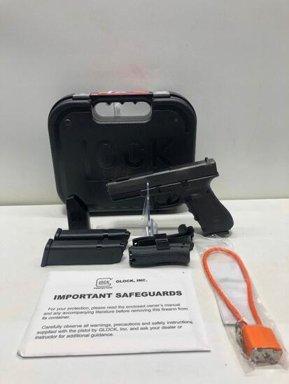 Glock G17C Gen 4 FXD 9mm w/ Factory Case & 3 Magazines SN: ACYP157