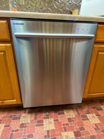 Samsung Stainless Steel Dishwasher Model: DMT400RHS - Nice/ Clean