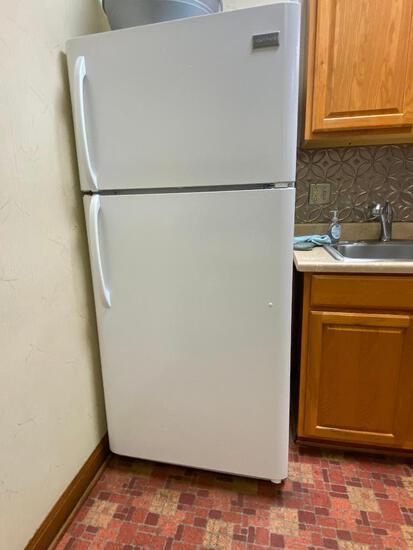 Frigidaire Top/Bottom Refrigerator Freezer, Model: FTMD18P4RW8B, 66-1/8in High
