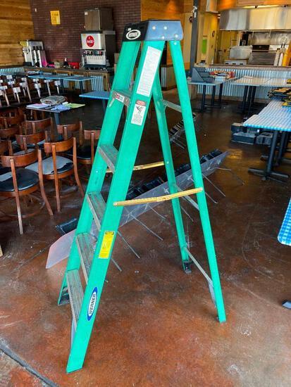 Werner 6ft Fiberglass A-Frame Step Ladder, 225lb Capacity, 6ft, Model FS206