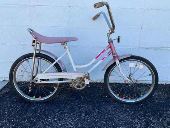 Huffy Desert Rose Girls Bicycle w/ Banana Seat