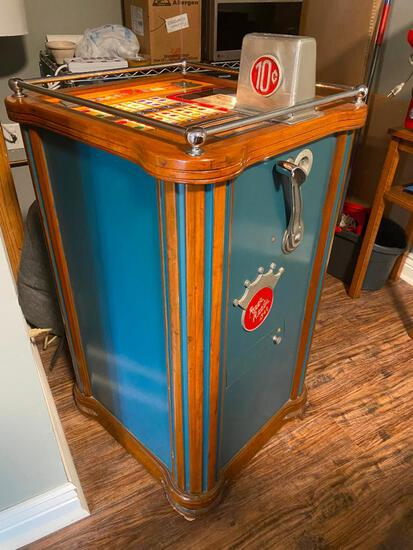 1940 Pace Console Slot Machine, Pace's Reels 1940, w/ Rare Omaha Slot Machine Raid Photo